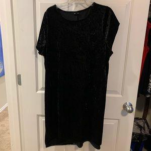 Torrid velvet shift dress